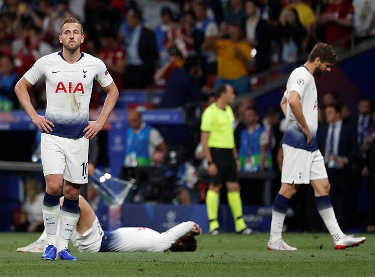 Kane muốn cùng Tottenham tiến bộ và chinh phục các danh hiệu. Ảnh: Reuters.