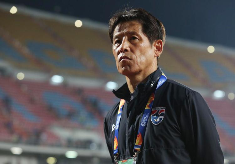 Ông Akira Nishino là HLV hưởng lương cao nhất trong lịch sử bóng đá Thái Lan, 980.000 USD mỗi năm.
