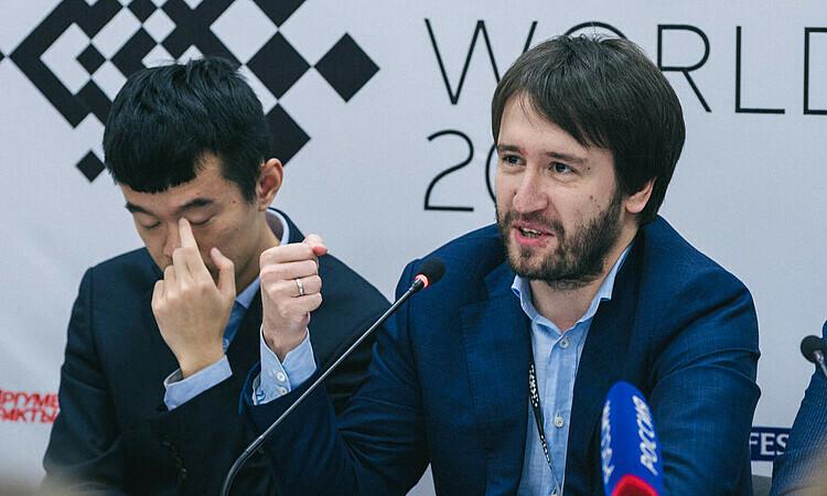 Radjabov (phải) đề nghị trở lại Candidates 2020. Ảnh: Chess24.