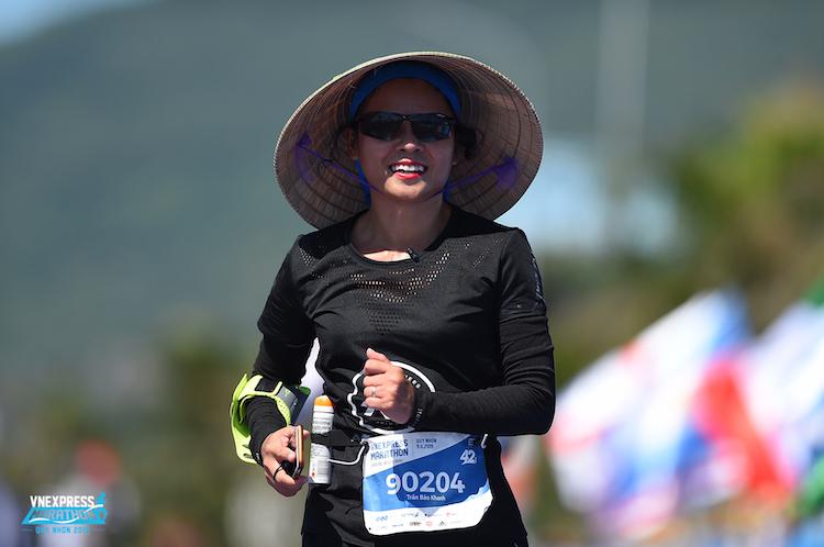 Runner Trần Bảo Khanh, cự ly 42km, số BiB90204 tại VnExpress Marathon Quy Nhơn 2019.