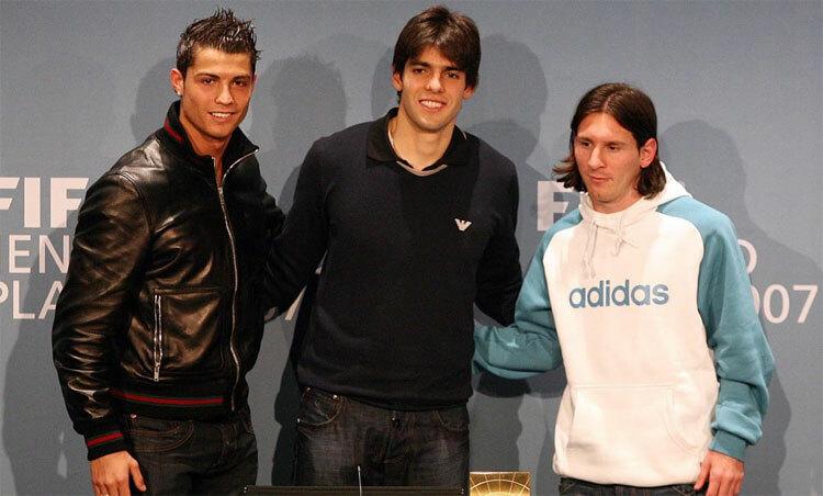 Ronaldo, Kaka và Messi trong lễ trao giải Cầu thủ hay nhất năm 2007. Ảnh: Marca.