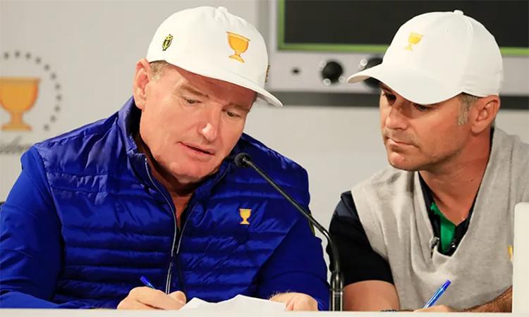 Immelman (phải) là trợ lý của đội trưởng Els tại Presidents Cup 2019. Ảnh: PGA Tour.
