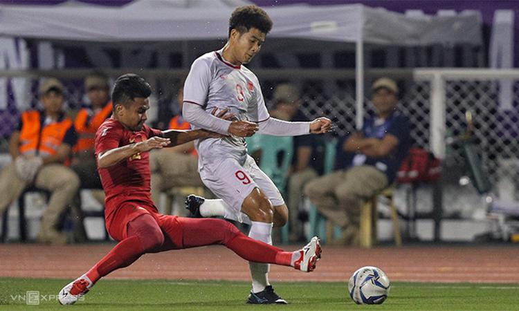 Đức Chinh thi đấu khi Việt Nam thắng Indonesia 3-0 ở trận chung kết SEA Games 30 ngày 10/12/2019.