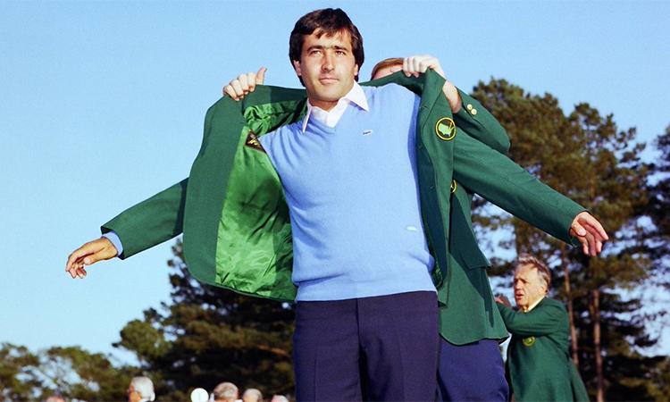 Ballesteros khoác Áo Xanh (Green Jacket) cho nhà vô địch Masters năm 1983. Ảnh: PGA Tour.