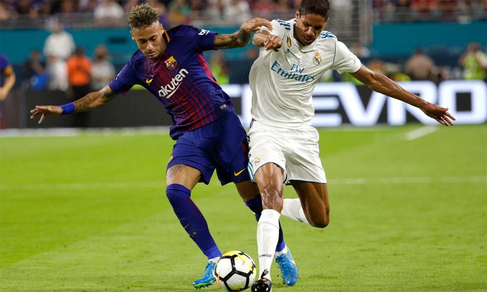 Ở lần đầu chạm trán tại ICC, Barca thắng Real Madrid 3-2 trước sự chứng kiến của 66.000 khán giả trên sân Hard Rock, Miami, Mỹ hè 2017. Ảnh: AP.