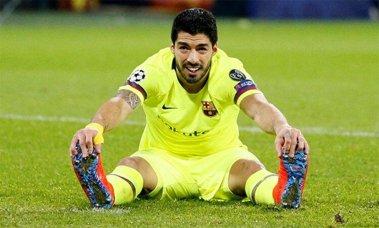 Luis Suarez đã sẵn sàng cho việc rời Barca. Ảnh: Reuters.