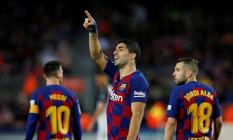 Nhiều cầu thủ Barca đang ở ngưỡng cửa giải nghệ, hoặc ra đi. Ảnh: Reuters.