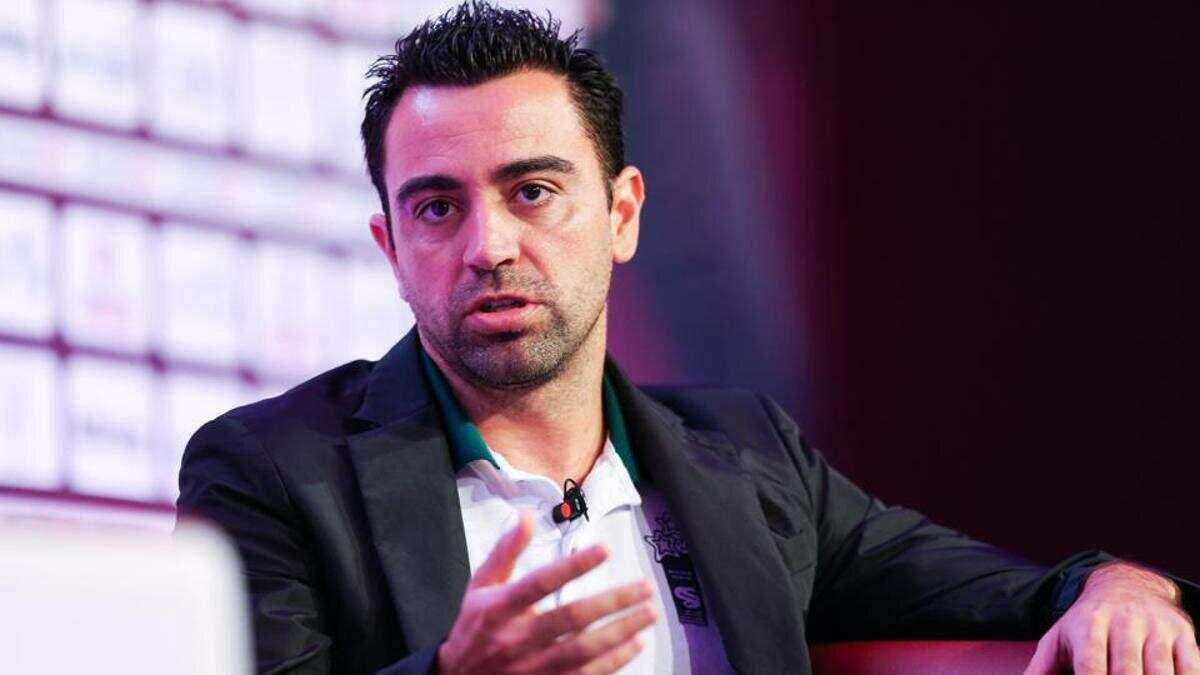 Xavi và nhiều danh thủ Barca khác đều từ chối lịch sự khi được Bartomeu ngỏ mời trong năm cuối ông ngồi ghế chủ tịch CLB.