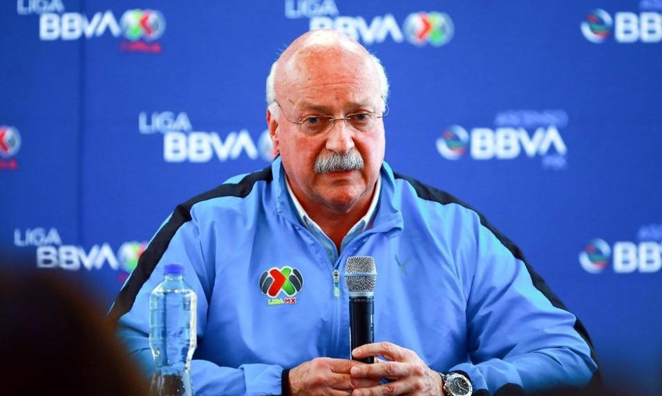 Chủ tịch Liga MX,Enrique Bonilla, người nhiễm nCoV hồi cuối tháng Ba. Ảnh: Imago.
