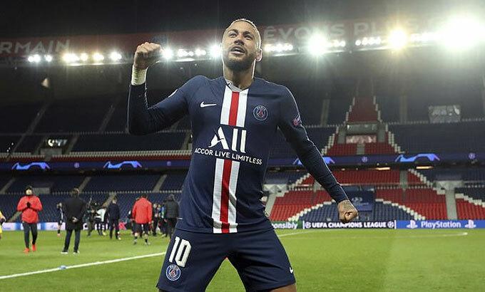 Neymar sẽ kiếm được rất nhiều tiền nếu ở lại. Ảnh: AP.