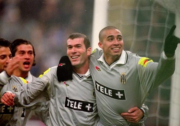 Là đồng đội ở tuyển Pháp từ 1998 đến 2006, nhưng Trezeguet xem mùa giải duy nhất chơi cạnh Zidane ở Juventus - mùa 2000-2001 - là bản lề trong sự nghiệp.