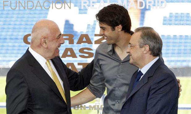 Kaka (giữa) bên cạnh Chủ tịch Perez và Phó Chủ tịch Milan, Galliani. Ảnh: Brand.