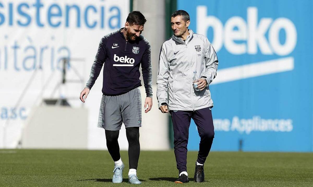 Messi (trái) là trò cưng của Valverde. Ảnh: FCB.