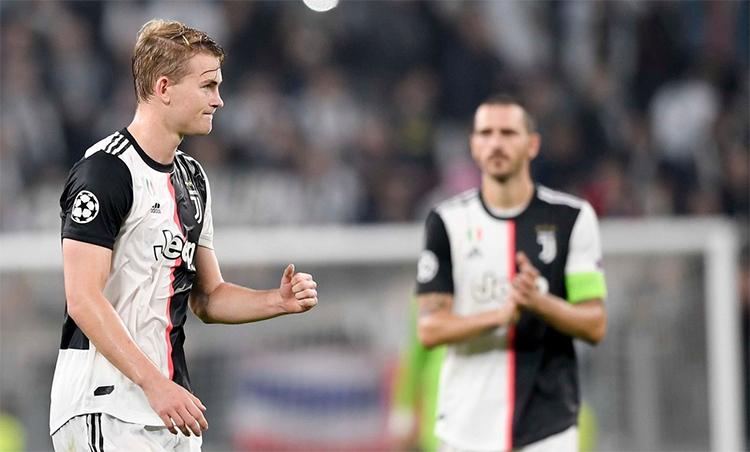 De Ligt (trái) đang trưởng thành trong màu áo Juventus. Ảnh: Reuters.