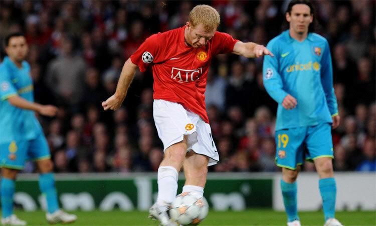 Scholes sút hạ Barca ở trận lượt về năm 2008. Ảnh: Times.