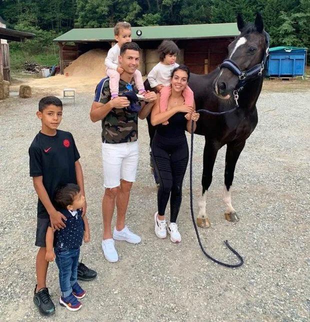 Gia đình Ronaldo. Ảnh: Instagram.