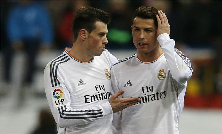 Ronaldo và Bale suýt sát cánh với nhau trong màu áo Man Utd. Ảnh: Reuters.