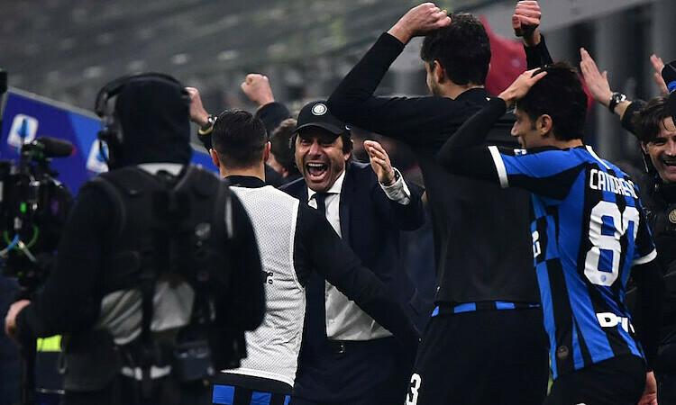 Conte được khen là huấn luyện Inter đúng hướng. Ảnh: AFP.