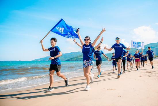 Người chạy có thể xốc lại tinh thần bằng cách tham gia các nhóm chạy để thực hiện các cam kết, thử thách.