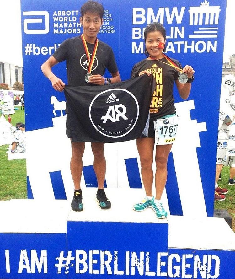 Anh Chí Hùng và chị Nguyệt Đỗ là hai runner Việt tham dự giảiBerlin Marathon 2019.