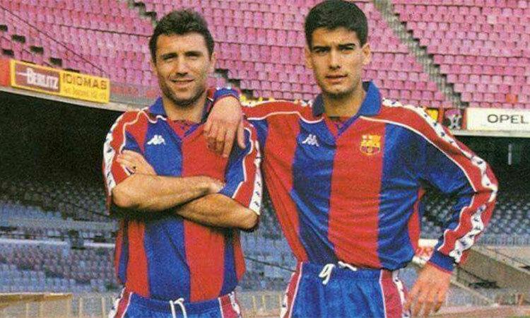 Stoichkov thời còn kề vai sát cánh trong màu áo Barca.