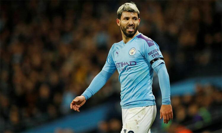 Việc Anh vẫn còn hàng nghìn ca nhiễm mới mỗi ngày khiến Aguero và một số cầu thủ lo lắng. Ảnh: Reuters.
