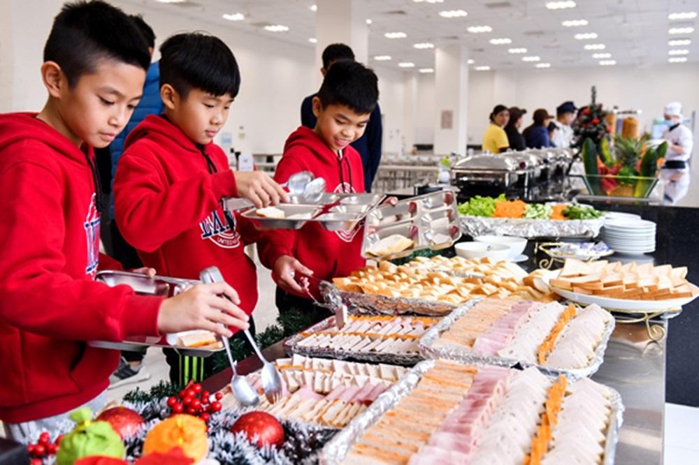 Bữa ăn tiêu chuẩn tại PVF.