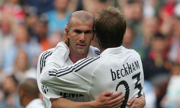 Zidane (trái) và Beckham trong màu áo Real, giai đoạn đầu thập niên 2000. Ảnh:BRAND.