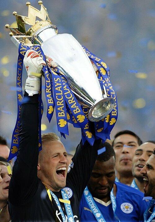 Kasper đóng góp công lớn trong chiến tích lịch sử của Leicester: vô địch Ngoại hạng Anh 2015-2016.