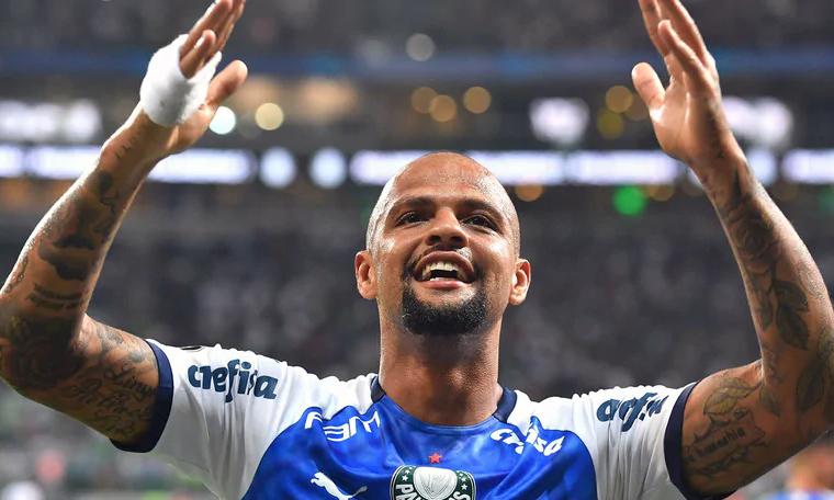 Melo từng khiến CĐV Juventus tức giận khi công khai tình yêu với Inter, CLB anh khoác áo một năm rưỡi từ 2015 đến 2017. Ảnh: AFPS.