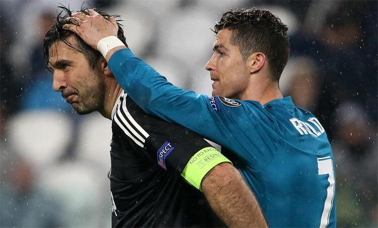 Ronaldo ở một đẳng cấp khác so với đồng đội. Ảnh: Reuters.