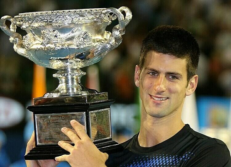 Djokovic mừng chức vô địch Australia Mở rộng 2008. Ảnh: AP.
