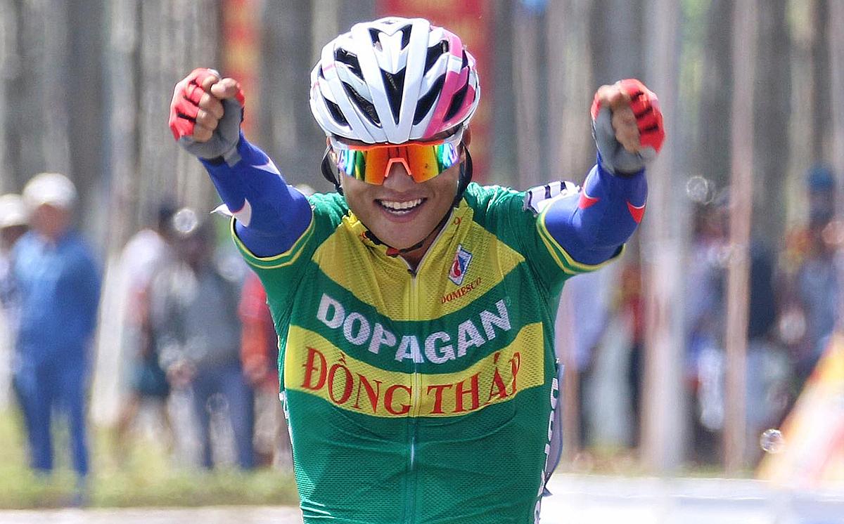 Trần Tuấn Kiệt (Đồng Tháp) thắng chặng đua sky sáng nay tại Tam Kỳ, Quảng Nam. Ảnh: Huỳnh Văn Thuận.