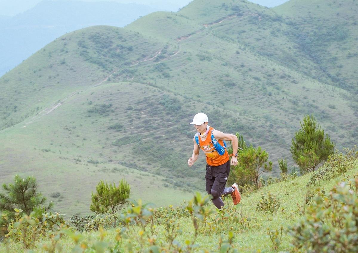 Nguyễn Văn Bình trong một buổi luyện tập leo núi hôm 28/4.