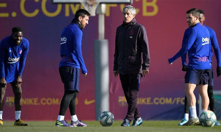 Setien không hài lòng với phát biểu của Messi về năng lực của Barca. Ảnh: AFP.