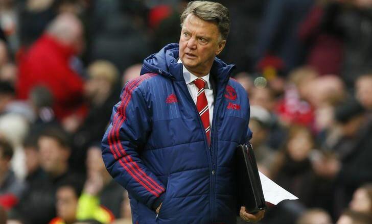 Van Gaal cần xây mới đội bóng khi về Man Utd. Ảnh: Reuters.