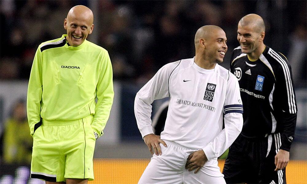 Bên cạnh Ronaldo, Zidane..., Pierluigi Collina là một trong những hiện thân cho vẽ đẹp của bóng đá nửa cuối thập niên 1990 đầu 2000. Ảnh: AFP.