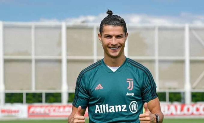 Ronaldo chưa thể trở lại tập chiến thuật với nhiều đồng đội. Ảnh: JFC.
