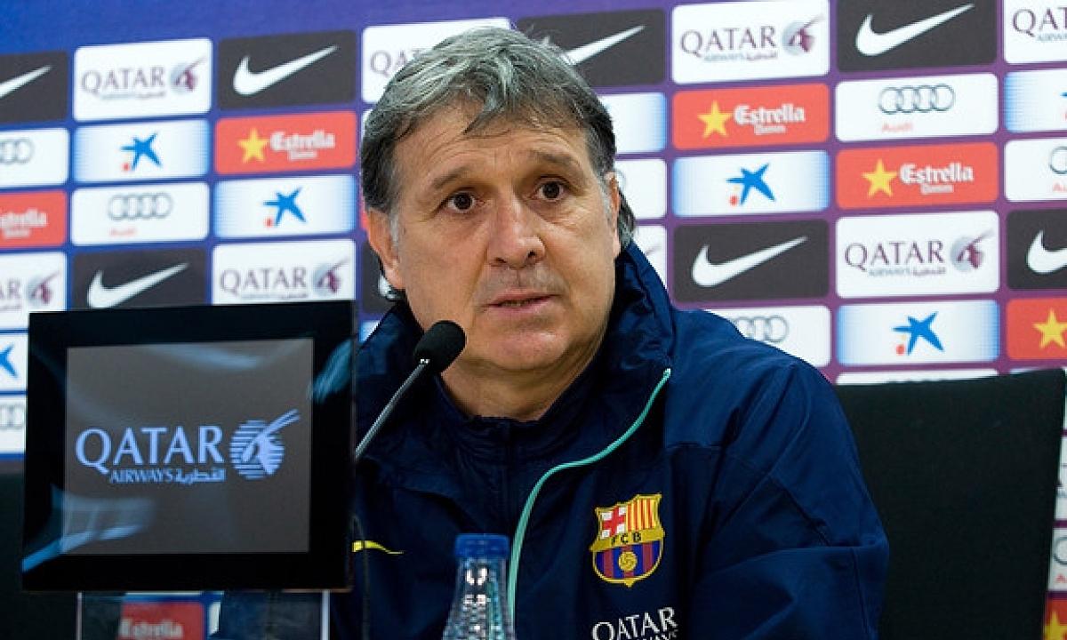 Martino cho rằng ông đã mở ra lối chơi phòng ngự phản công cho Barca. Ảnh: Reuters.