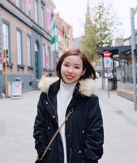 Viên Minh trong chuyến du lịch sang Châu Âu để cổ vũ bạn trai năm 2019.