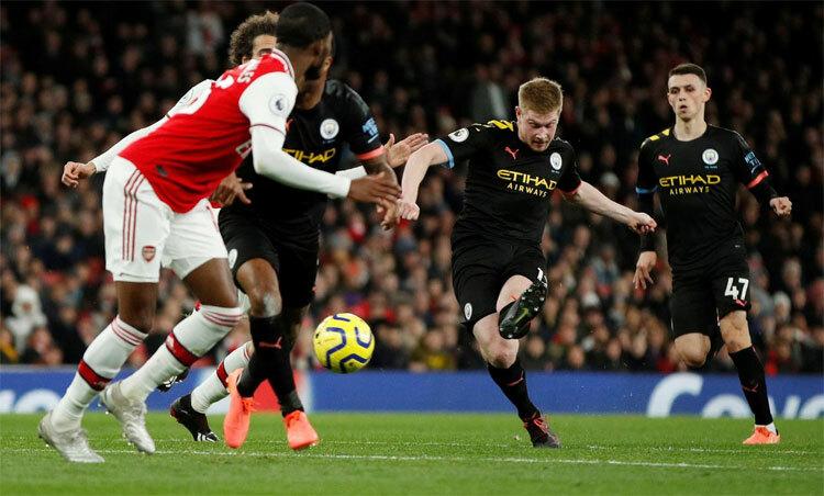 Man City và Arsenal làm nóng ngày đầu Ngoại hạng Anh trở lại. Ảnh: Reuters.