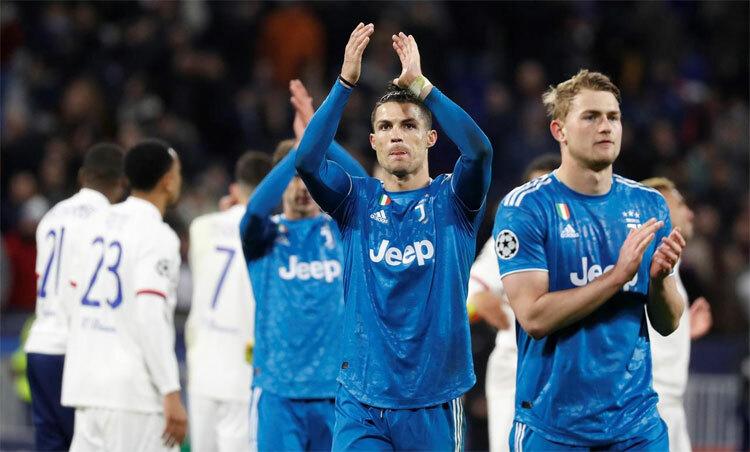 Ronaldo và đồng đội tại Juventus đang cần ngược dòng sau khi thua Lyon 0-1 ở lượt đi vòng 1/8. Ảnh: Reuters.