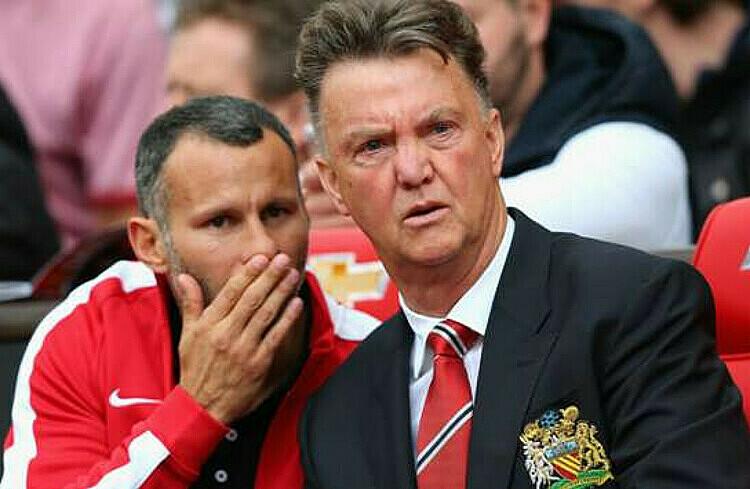 Giggs (trái) học hỏi được nhiều điều từ Van Gaal. Ảnh: PA.
