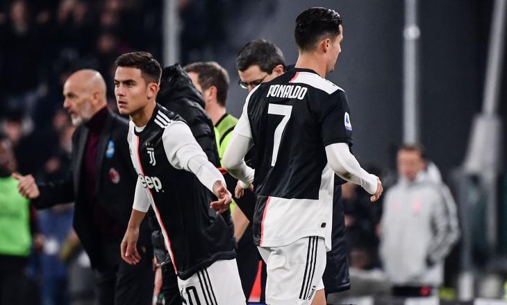 Dybala (trái) mất đặc quyền ghi bàn ở Juventus từ khi Ronaldo xuất hiện. Ảnh: Reuters.