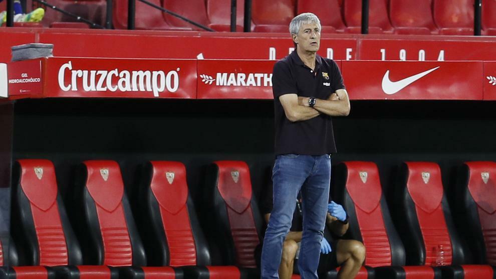 HLV Setien thất vọng khi Barca không thể hạ Sevilla. Ảnh: Marca.