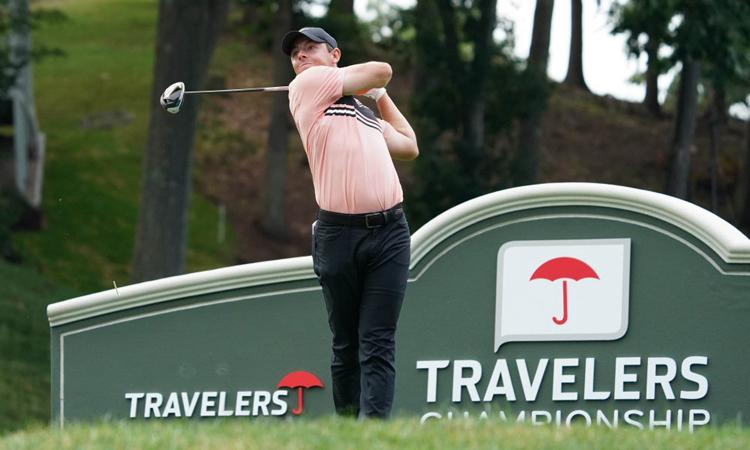 Rory McIlroy thi đấu ở vòng đầu Travelers Championship hôm 25/6. Ảnh: USA Today.