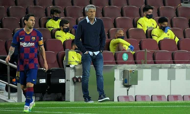 HLV Setien đang gặp khó khăn ở Barca. Ảnh: AFP.