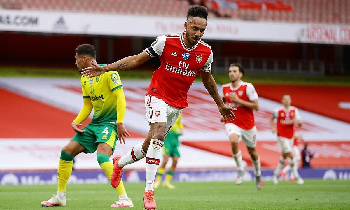 Aubameyang tiếp tục là điểm sáng của Arsenal. Ảnh: Reuters.
