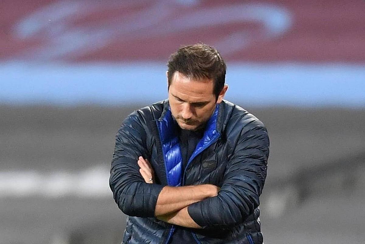 Lampard thất vọng khi Chelsea thua ngược. Ảnh: Reuters.