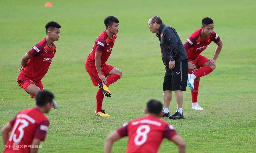 Đội ngũ trụ cột trong tay HLV Park Hang-seo ở tuyển Việt Nam có thể chơi tốt trong khoảng năm năm tới. Ảnh: Đức Đồng.